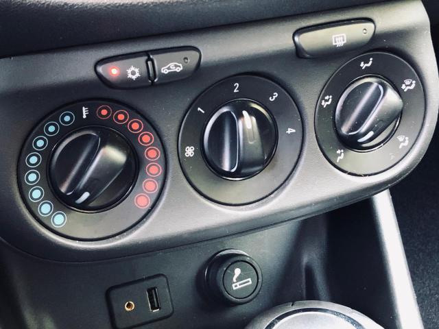 Opel Corsa 1.4 Edition Airco/Navigatie/Bluetooth