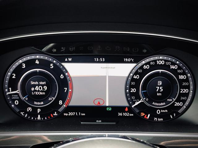 Volkswagen Tiguan 2.0 TSI 4Motion Highline R-Line 20 inch/Pano/Leder/LED