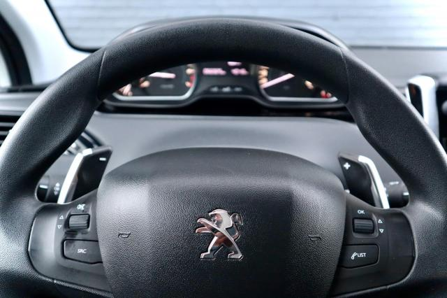 Peugeot 208 1.2 PureTech Active Automaat/Navi/Clima/Trekhaak