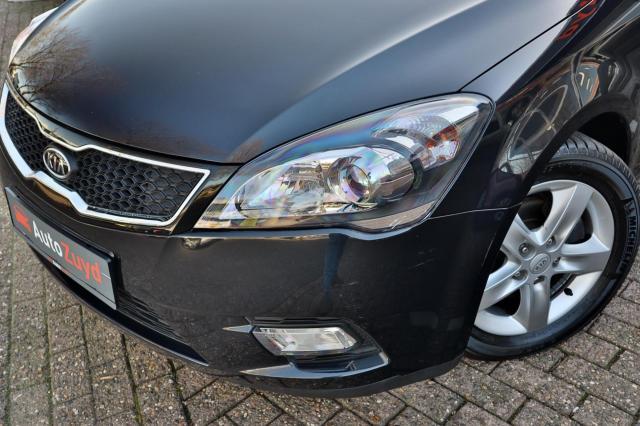 Kia Cee'd Sporty Wagon 1.4 CVVT Navigator Plus Pack Navi/Camera/Clima