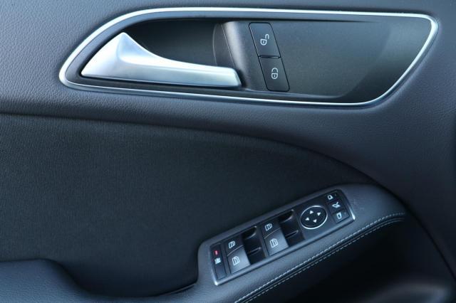 Mercedes-Benz B-klasse 180 Ambition LED/Navi XL/Camera/Trekhaak