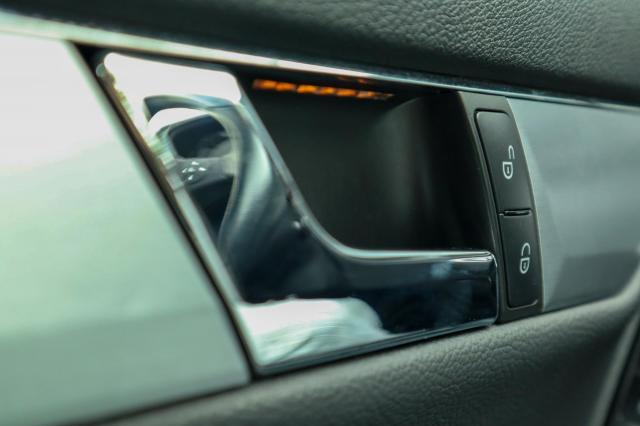Mercedes-Benz C-klasse 180 CGI BlueEFFICIENCY Avantgarde Navi/Automaat/Stoelverwarming