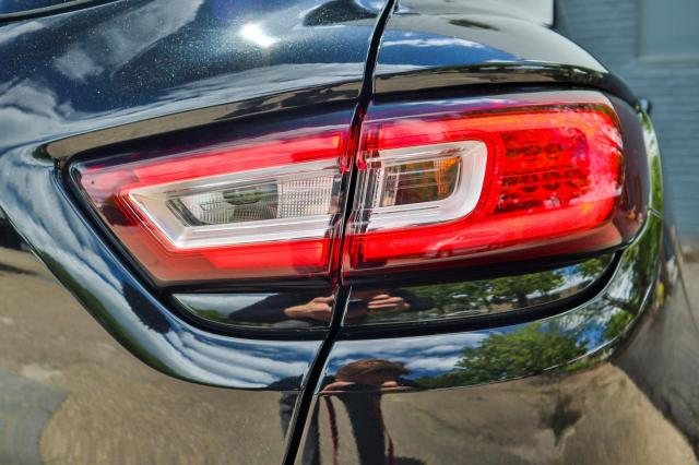 Renault Clio 0.9 TCe Bose Navi/Camera/Clima/17 inch LM