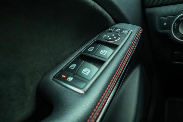 Mercedes-Benz A-klasse 200 Prestige AMG Autom/Pano/CarPlay
